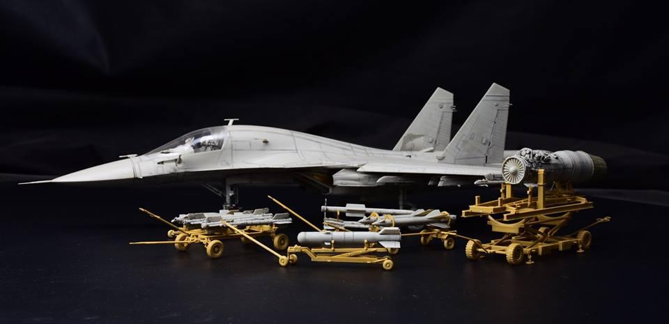 W//4 Figures 2019 NEW MODEL Kitty Hawk KH80161 1//48 Russian Weapon Loading Cart