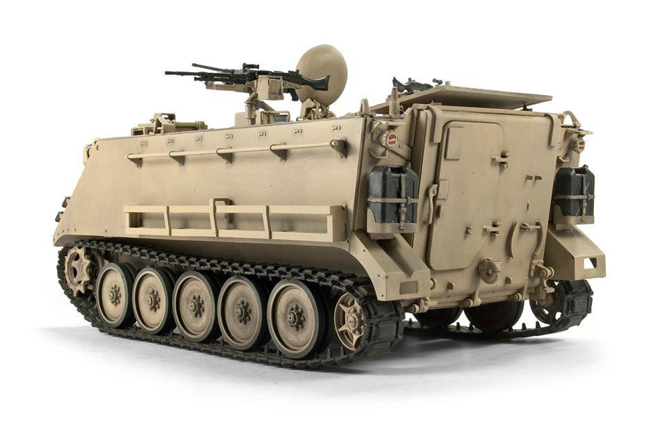 UM-MT 1//72 Motorized Armored Railcar MBV-2 avec 76,2 mm Réservoir canons F-34 # 677